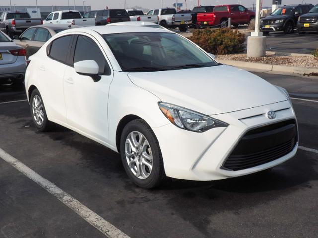 Pre-Owned 2017 Toyota Yaris iA
